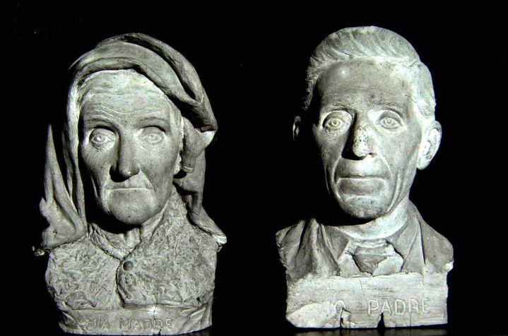 03為雙親雕塑