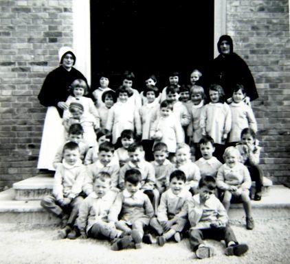 09親自創辦的育幼院